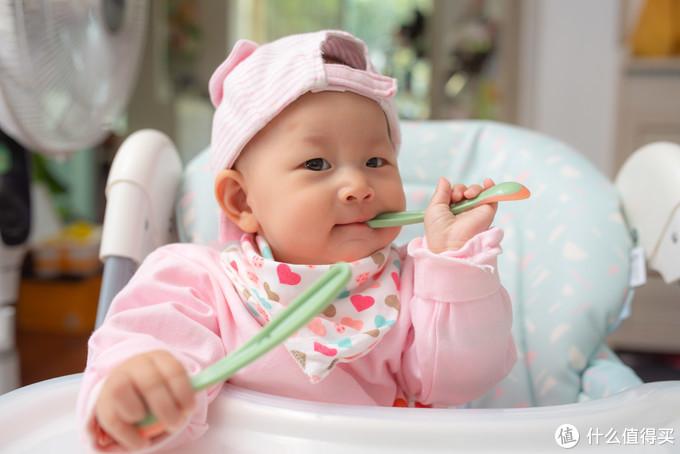 关于宝宝辅食的添加时间、制作、喂养手法你需要知道的都在这里——宝宝辅食攻略
