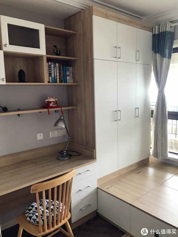 小书房 书桌+吊柜+衣柜+榻榻米