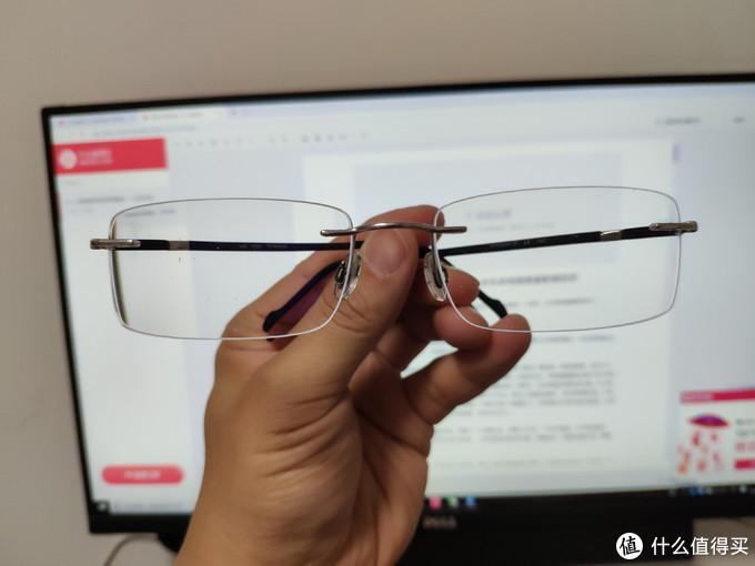 眼镜使用很好,比较舒服