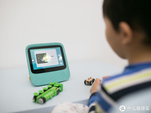 把英语学校搬回家,学习娱乐两不误—豹豹龙家教机器人入手体验