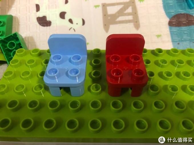蓝色小木牛,红色得宝