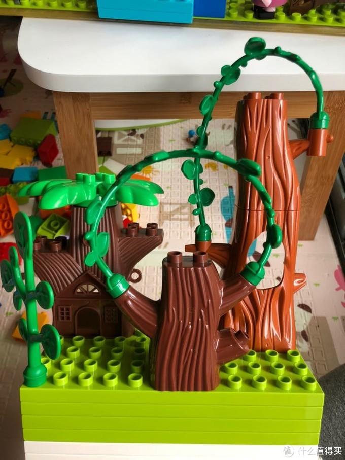 树屋和前面这个树桩质量特别次,这两个都是邦宝的