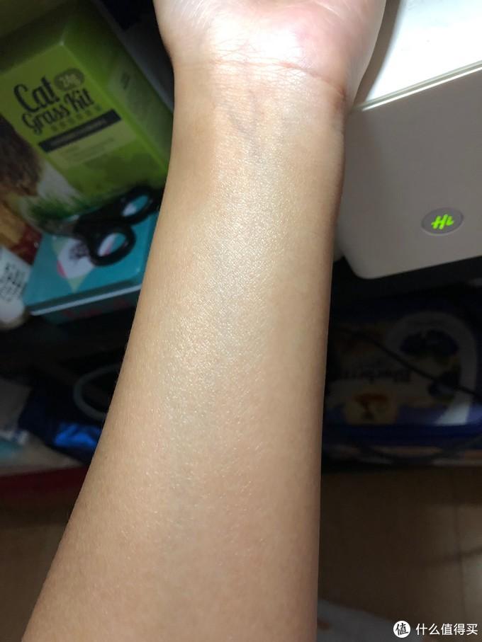 皮肤很细腻啦,没那么油了以后看起来就像磨皮了一样