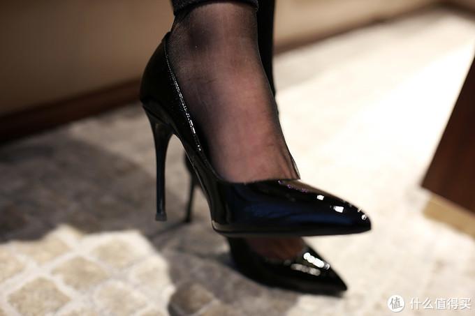 高挑身材,独女高跟鞋细跟款初次体验