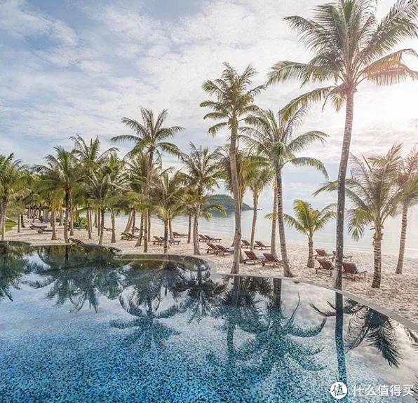 别再迷恋泰国了!这个免签的避世海岛,才是旅游胜地