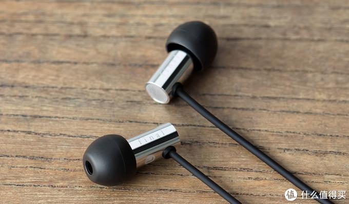 2018年末哪些耳机值得买:300元价位的平民好货