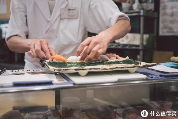 准备炙烤寿司