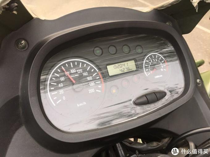 这个仪表我很喜欢,比现在太多摩托车看着都高级