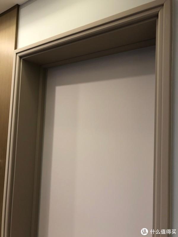 所有的门,都是 TATA 木门亲肤系列,就那样吧,品质对不起价格!
