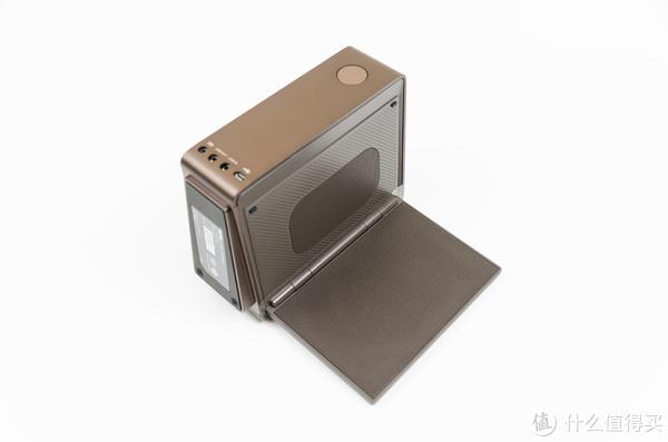 打造简约桌面空间:一平方米的断舍离(PD2710QC、treVolo2、Kindle Oasis2、MBP、surface Book2)