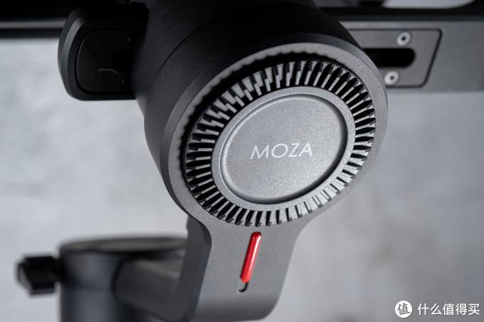 4.2KG载重,16小时续航,无线跟焦——视频小白的魔爪 MOZA Air 2稳定器初体验