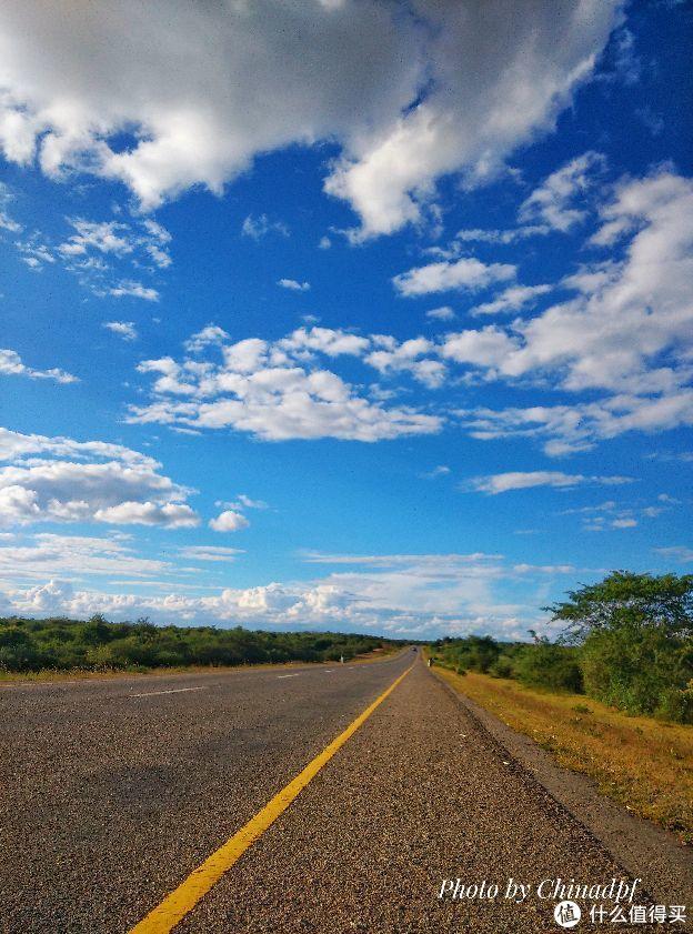 原图4-非洲工作路途中