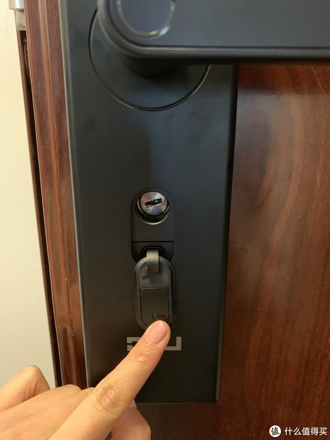 【OJJ智能门锁】您的门锁可能被撬,请及时回家查看,或联系小区保安...