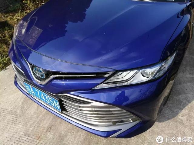 以静制动的凯美瑞混动版,行车质感能否超越同价位雷克萨斯ES?