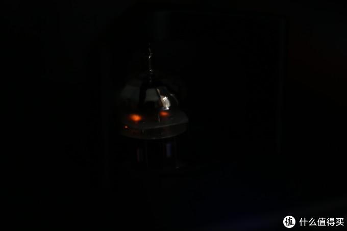 发出微光的真空管