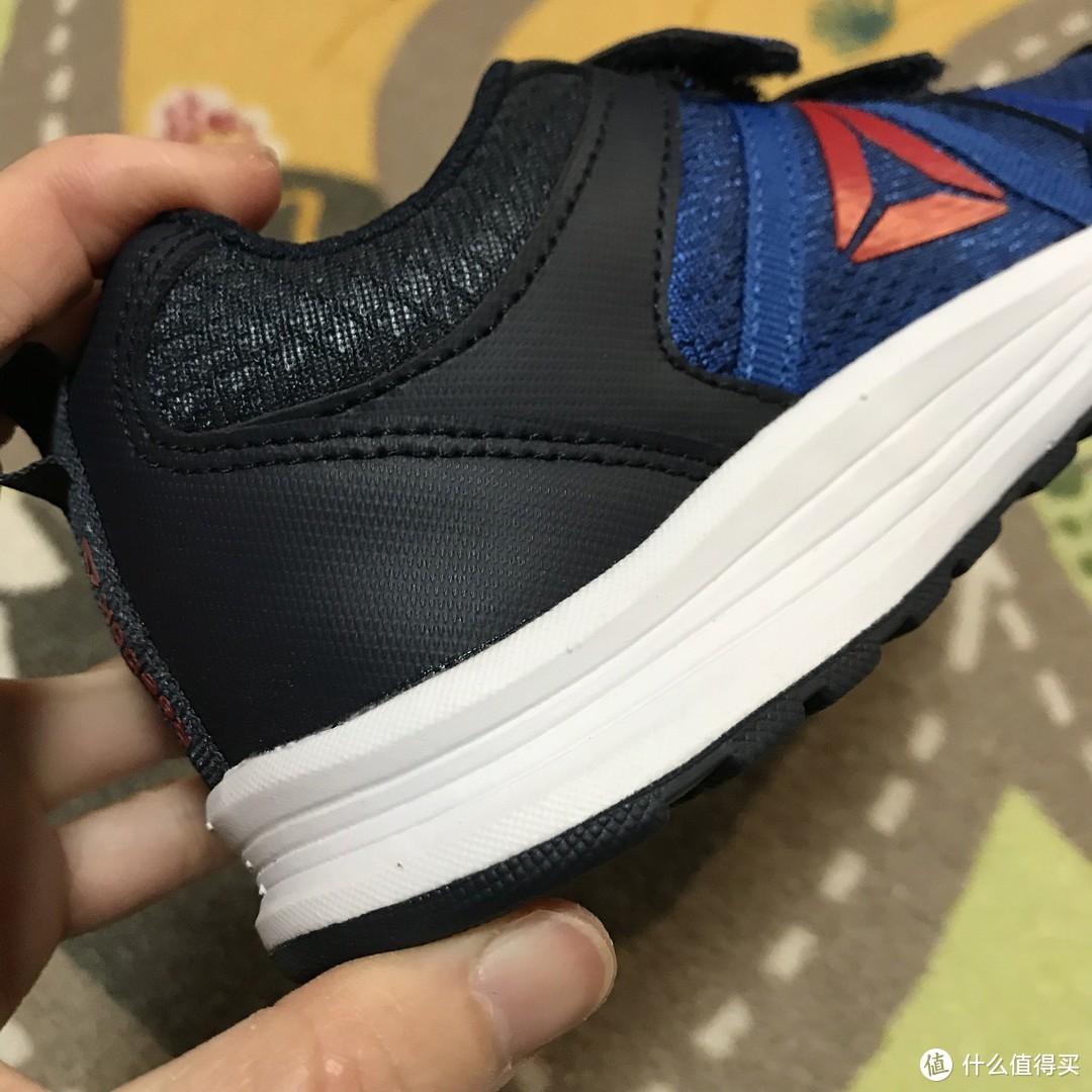 便宜好穿!Reebok ALMOTIO 4.0 儿童低帮跑步鞋