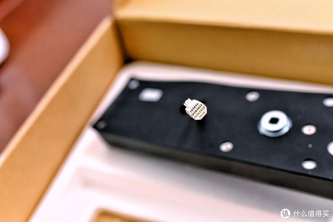 不吹不黑写评测—带你了解真实的鹿客Classic智能指纹锁