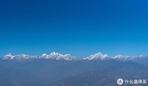 远处的喜马拉雅山脉的山景