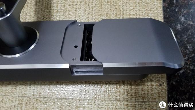 电池盖也是铝合金的