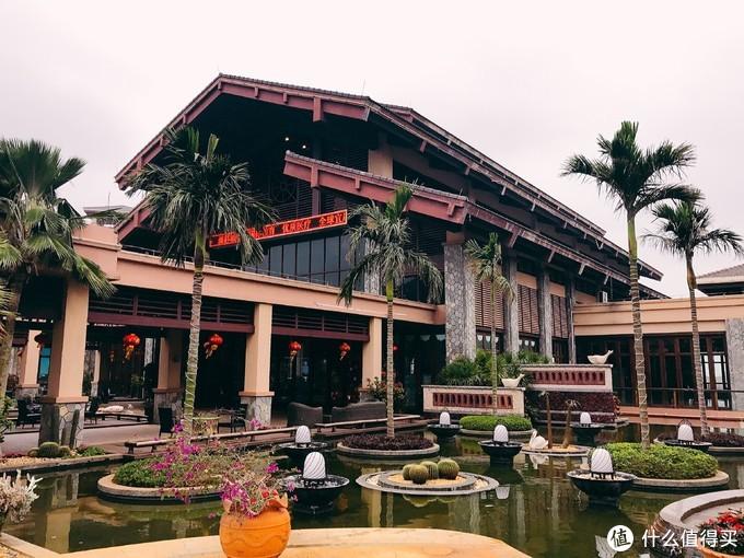 碧桂园金沙滩温泉酒店透风连廊设计