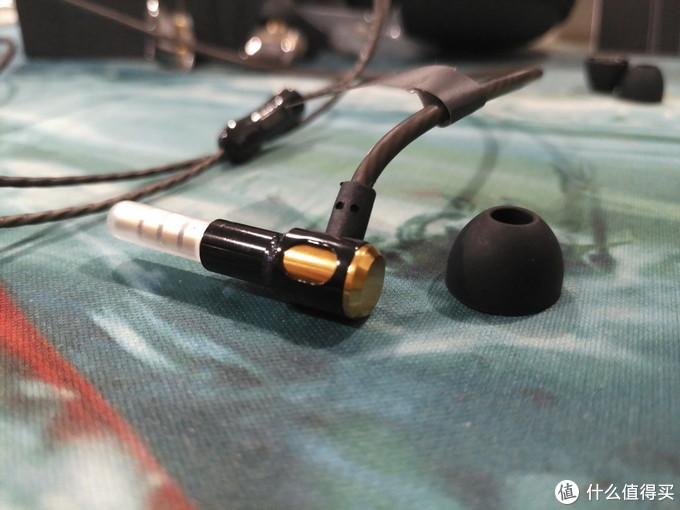 潜龙浮水,一鸣惊人!维迪声E3四核双动圈入耳式耳机体验报告