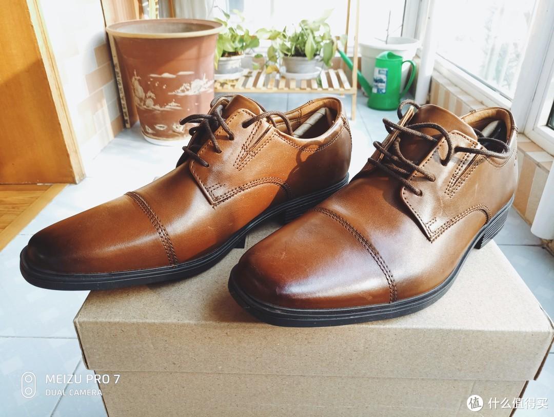 鞋头颜色做了加深处理