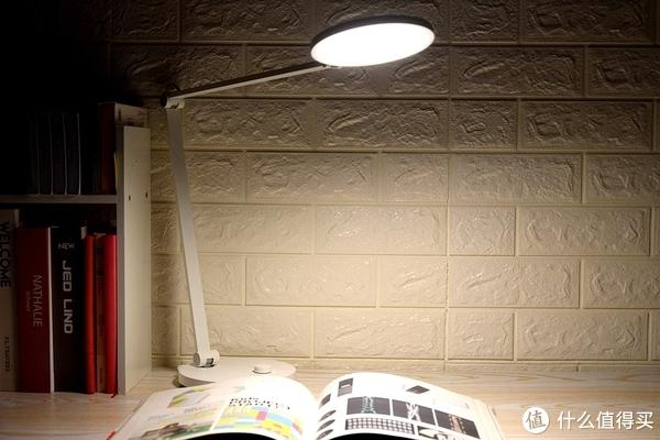 小米米家新品,能用小爱&Siri控制的米家台灯Pro,125cm区域照明仅349元