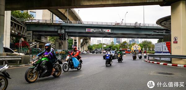 拍大片、AI翻译都方便,带着华为Mate 20 Pro游泰国