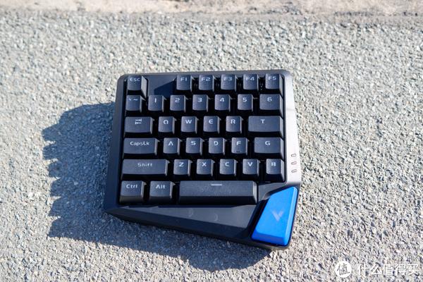 笔记本的游戏伴侣,雷柏V550RGB单手键盘开箱