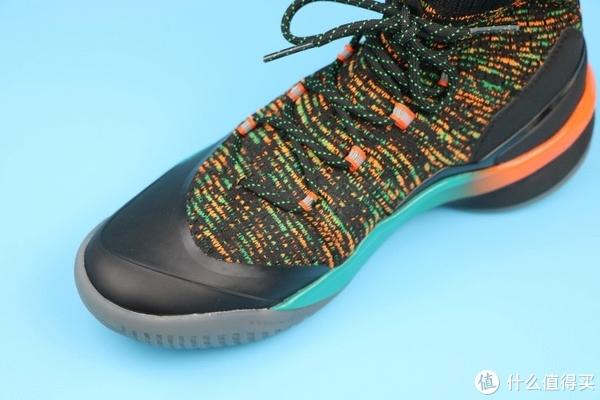 搭配上你的精湛球艺和一双合适的篮球鞋将赛场驾驭起来