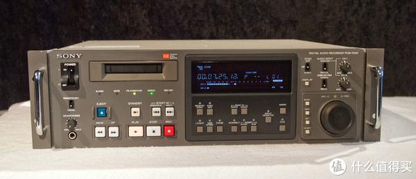 早期的索尼数字录音机,采样率支持44.1和48kHz