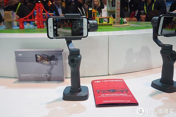 敢于自我革命 CES2019大疆推出御系列带屏遥控器
