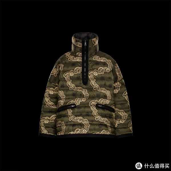 (图片来自网络)Moncler充绒量100克~150克,含绒量:90%的灰鹅绒羽绒服,售价12,566元。