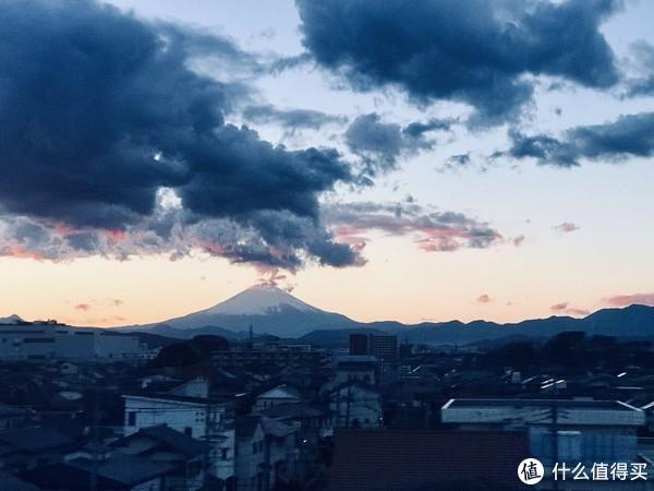 路上拍到的富士山,第一次远远的看到富士山的时候,感觉真的很美