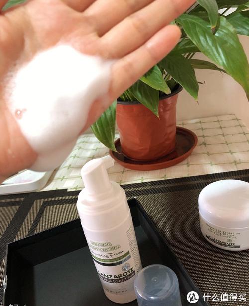 LANZAROTE泡沫洗面奶,原滋原味的西班牙产品,纯天然的,好玩又好用的芦荟泡沫洗面奶。