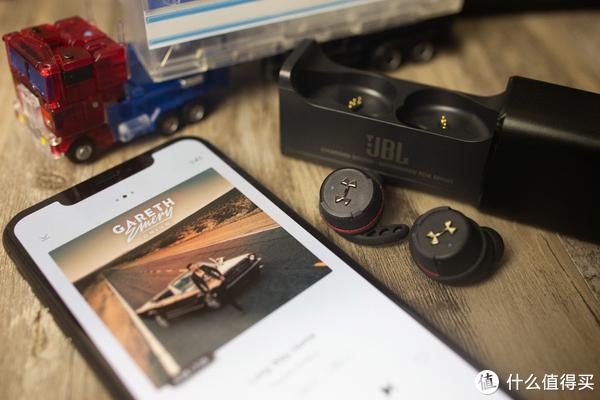 传奇音效与安德玛合体!体验JBL UA FLASH真无线蓝牙运动耳机