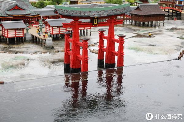 宫岛水中鸟居,做出了潮涨潮落的变化