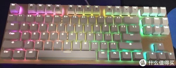 雷柏RGB灯效