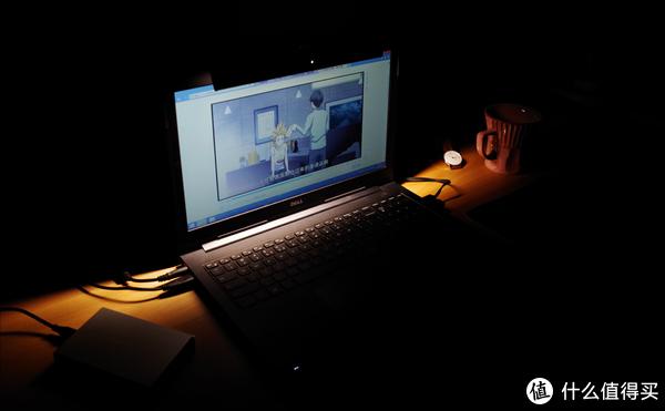 这应该是所有笔记本都自带的功能,明基WiT ScreenBar Lite 简评
