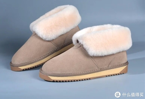千万别穿雪地靴,因为会脱不下来……