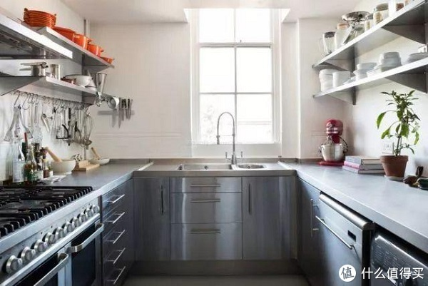 橱柜这样设计,再也不愁家里厨房面积小啦!