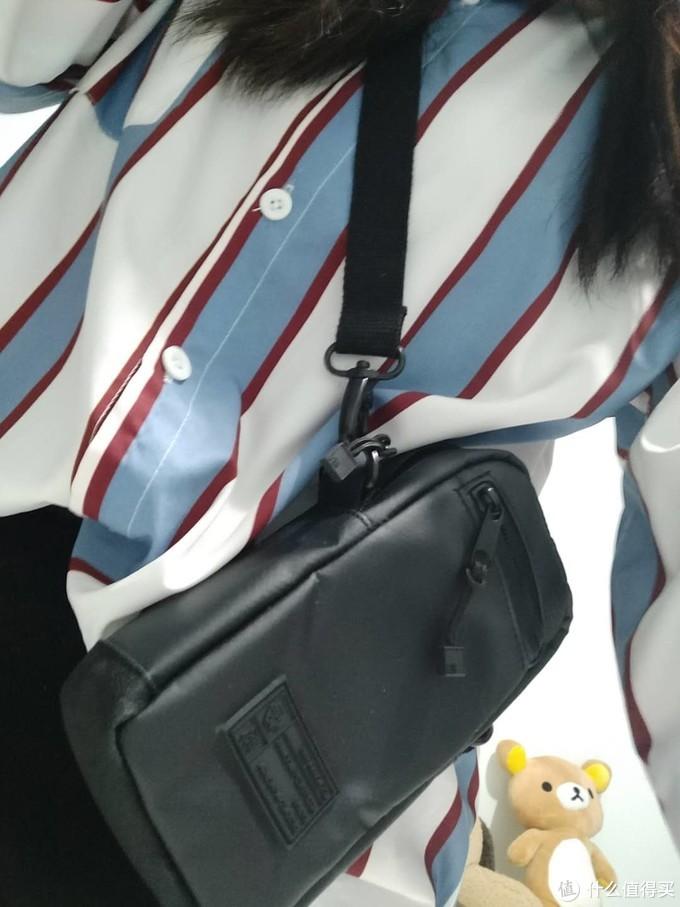 YO~潮酷女孩的选择—HEX Raven 斜跨小相机包