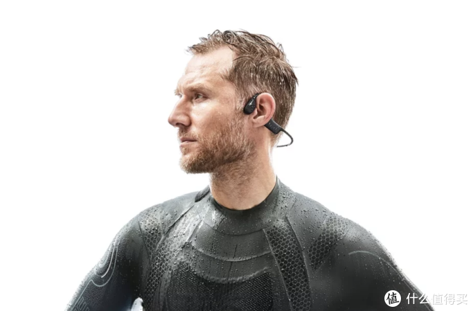 """""""跑步装备半月评""""第38期:GARMIN新表支持4G LTE,AFTERSHOKZ发布防水骨传导耳机"""