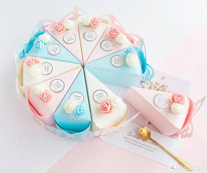 三角形糖盒组成的蛋糕造型