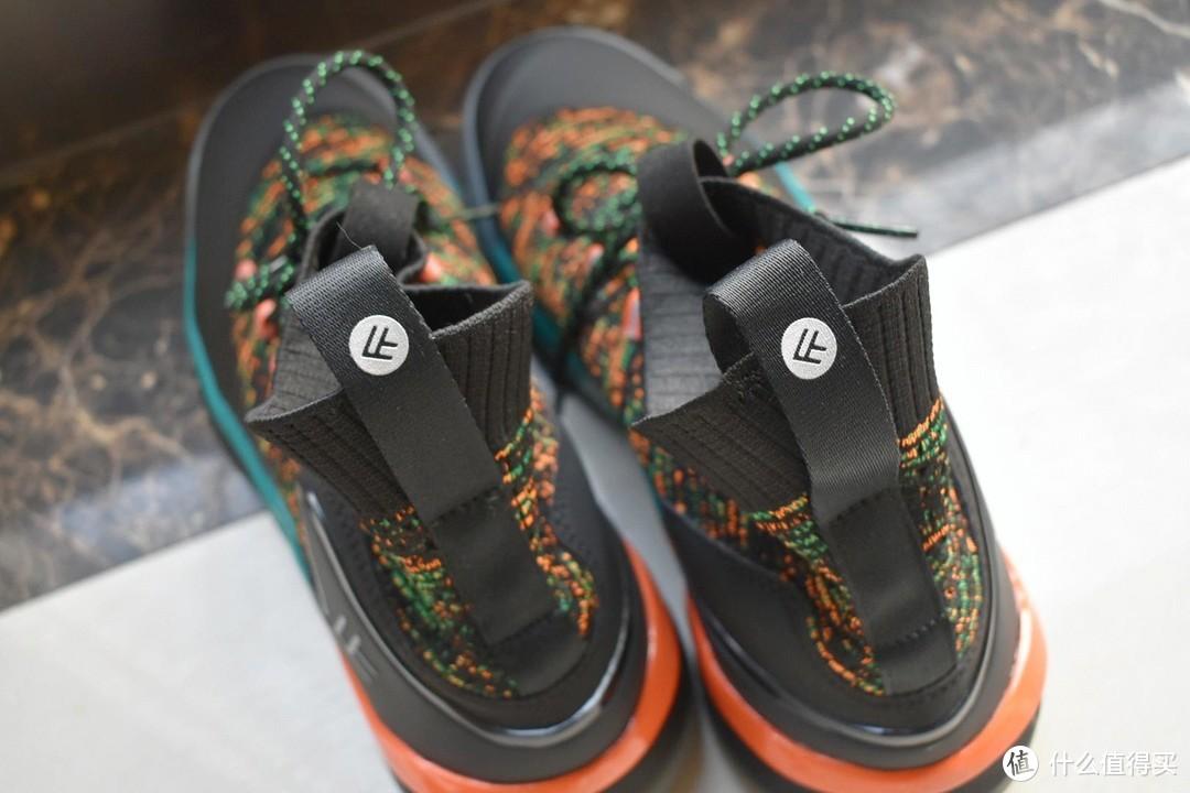 小米299元篮球鞋,驾驭赛场,米家运动鞋同等品质
