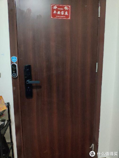 左边360可视门铃右边米家智能门锁