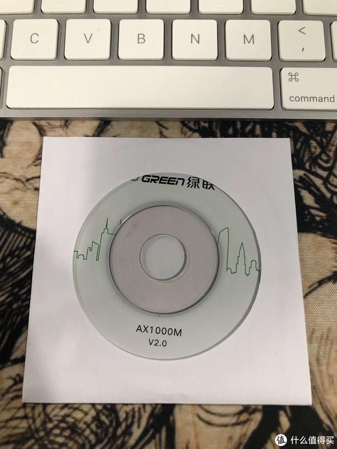 还有一个光盘,可惜现在的Mac都没有光驱了