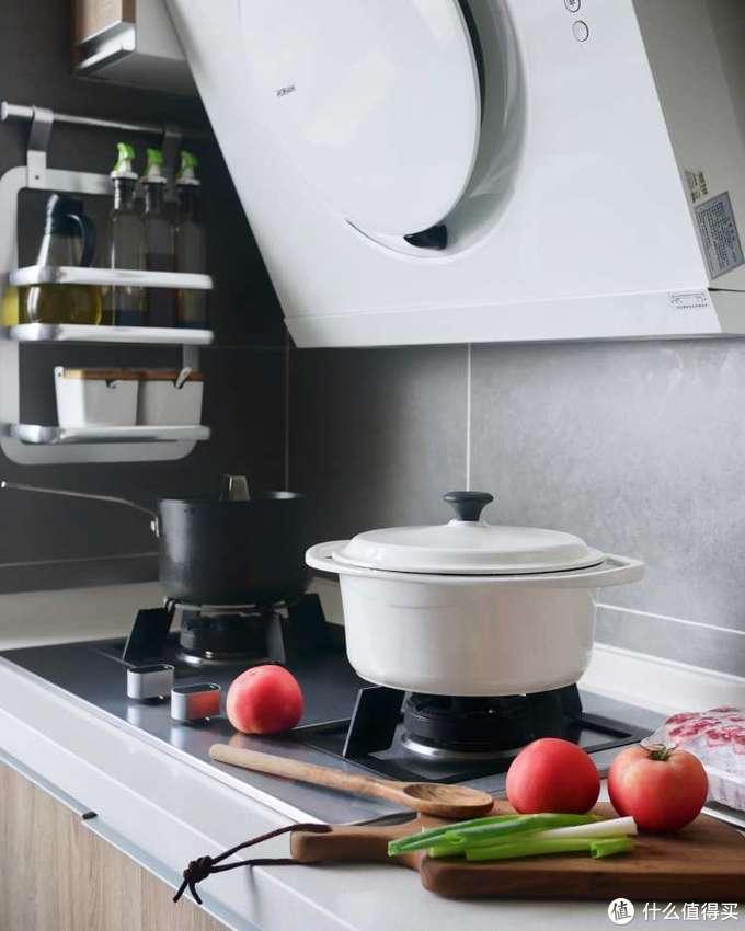 干净无异味的厨房会让人爱上下厨吧!