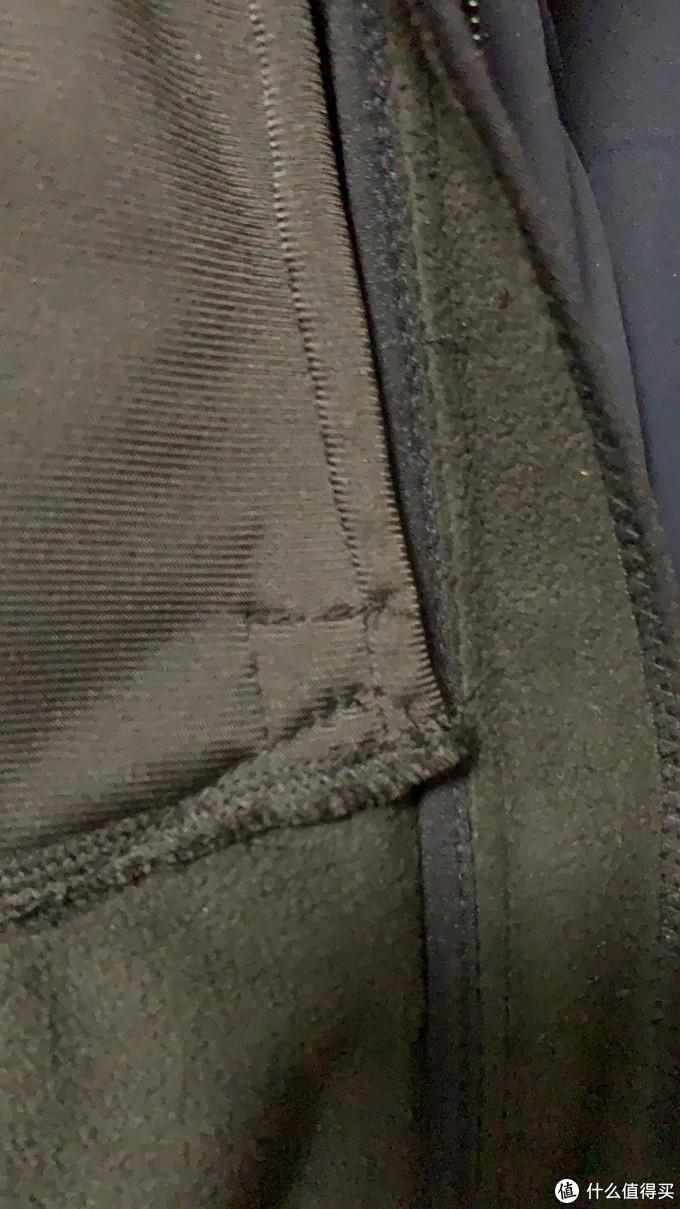 衣服内测针脚做工一般,对得起价格吧