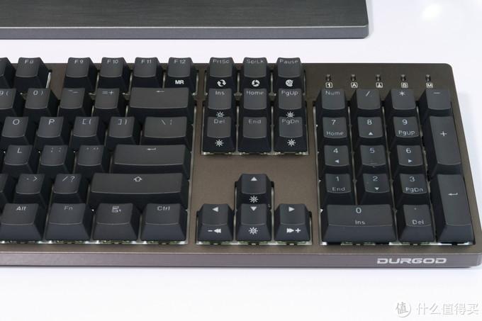 键帽完美背光酷炫——杜伽金牛座 K310 Nebula机械键盘评测体验
